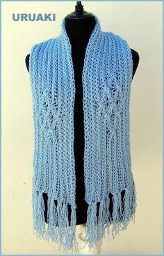 Bufanda azul jaspeada con blanco y gris.   Más detalles en: http://wp.me/p2FVSn-aj  Más bufandas de URUAKI en:  http://eljardindeamlaki.wordpress.com/category/bufandas-uruaki/
