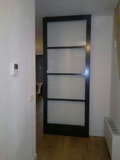 FritsJurgens taatsdeur, gespoten houten frame met helder glas by Frank van den Boomen www.frankvandenboomen.nl