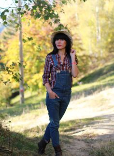 What to wear to the country side fall style/ country side outfit/ fall style/ fall outfit/ fall colors/ plaid shirt/ denim jumpsuit/