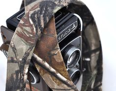 RealTree Camera Strap - Real Tree Camouflage Christmas Gift for Photographers