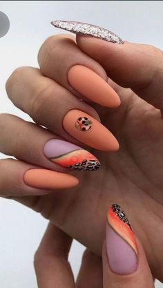 Want some ideas for wedding nail polish designs? This article is a collection of our favorite nail polish designs for your special day. Nail Art Design Gallery, Best Nail Art Designs, Fall Nail Designs, Nail Polish Designs, Nails Design, Gel Polish, Foil Nail Art, Foil Nails, Acrylic Nail Art