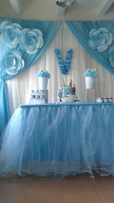 39 Ideas For Baby Shower Ideas Decoracion Table Skirts Frozen Themed Birthday Party, Elsa Birthday, Baby Birthday, Birthday Parties, Frozen Party, Deco Baby Shower, Baby Girl Shower Themes, Baby Boy Shower, Baby Showers