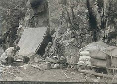 Klondiker's camp with lean-to and supplies at the foot of canyon, Chilkoot Trail, Alaska, CAMPGROUNDS: Dyea Campground Finnegan's Point Canyon City Pleasant Camp Sheep Camp Rare Photos, Old Photos, Canyon City, German People, Dark House, The Third Reich, Alaska Travel, World War Two, Wwii