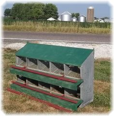 IDEAS Chicken Coop Amish Metal Nesting Egg Incubator Box Poultry Hen House Steampunk e
