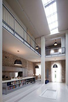 Antigo pavilhão vira loft