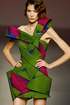 Juanjo Oliva, african print eccentric prints with an amazing cut African Inspired Fashion, African Print Fashion, Africa Fashion, Fashion Prints, Fashion Design, African Prints, Ankara Fashion, Fashion Ideas, Fashion Outfits