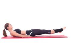 Eine Übung mit der Unterlegmethode aus dem Trainingsprogramm Long Body Line