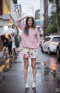 KOREAN STREET STYLE: ¿CÓMO SE VISTEN LAS COREANAS EN PRIMAVERA? | Mundo Fama Corea