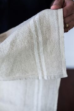 Because Khadhi linen fabric is entirely handmade – from the spinning to weaving stage, it has a natural, earthy look and feel. These finely crafted French tea towels can perk up a kitchen towel rack,