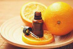 Siempre va bien tener en casa un aceite de naranja a mano.     Le podemos atribuir numerosos usos, desde medicinales, cosméticos, par...