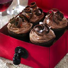 Zinfandel Wine Cupcakes @keyingredient #cake #chocolate