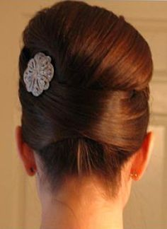 Beautiful.  Love the pin. Love the do! very fifties/sixties!