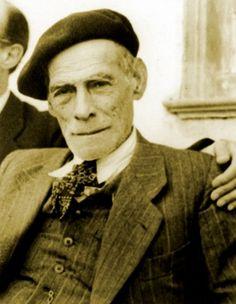 Teixeira de Pascoaes (1877-1952) foi um poeta e escritor português, principal representante do Saudosismo.