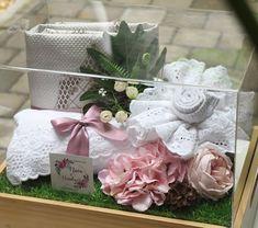 Image may contain: flower Diy Wedding Gift Box, Wedding Hamper, Rustic Wedding Gifts, Wedding Boxes, Elegant Wedding, Wedding Favors, Wedding Decorations, Wedding Crafts, Simple Weddings