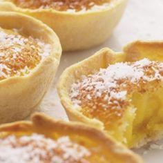 Queijadas de coco (recipe in portuguese ) … Portuguese Sweet Bread, Portuguese Desserts, Portuguese Recipes, Portuguese Food, Cupcakes, Cupcake Cakes, Cupcake Recipes, Dessert Recipes, Desserts With Biscuits