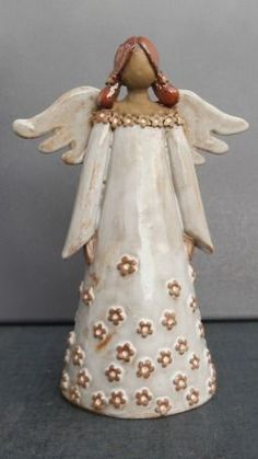 Risultati immagini per töpfern anregungen weihnachten Clay Angel, Pottery Studio, Pottery Art, Clay Projects, Clay Crafts, Ceramic Painting, Ceramic Art, Pottery Angels, Angel Sculpture