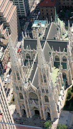 La cattedrale metropolitana di San Patrizio (in inglese Metropolitan Cathedral of St. Patrick) è il principale luogo di culto cattolico di New York, sede vescovile dell'omonima arcidiocesi