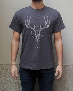 Deer skull geometric T-shirt Screenprinted Men T-shirt Unisex Minimalist 100% organic cotton