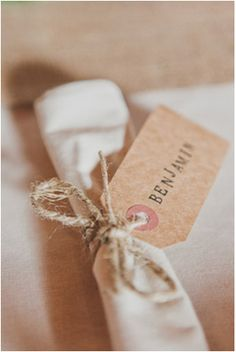 Like this for name tags at tables French Wedding, Boho Wedding, Wedding Blog, Wedding Stuff, Wedding Ideas, Human Body Unit, Once Wed, Place Names, Deco Table