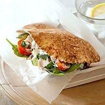 Pita met kip en tzatziki... maar dan zonder spinazie :-)