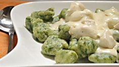 Do you like to enjoy fine gnocchi or chicken? - Do you like to enjoy fine gnocchi or chicken? In this recipe you have it at once, but gnocchi are e - Meat Recipes, Vegetarian Recipes, Chicken Recipes, Healthy Recipes, Gnocchi Recipes, Hungarian Recipes, Hungarian Food, Kaja, Food Inspiration