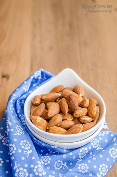 Easy Snacks, Keto Snacks, Quick Easy Meals, Spicy Almonds, Raw Almonds, Indian Side Dishes, Spiced Nuts, Microwave Recipes, Roasted Almonds