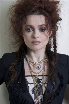 Helena Bonham Carter-I love her as an actress, I love her style. I love Tim Burton movies and I love that he casts her because she makes them golden:) Helena Bonham Carter, Helen Bonham, Helena Carter, Tim Burton, Marla Singer, Johny Depp, Actrices Hollywood, Foto Art, Marie Antoinette
