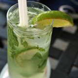 The Mojito: Your Guilt-Free Weekend Cocktail (122 calories)
