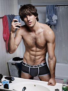 La selfiemanía conquista la campaña 'Hero Fit' de Diesel Underwear « We, the Gents