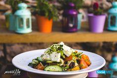 Μια Ελληνική Σαλάτα με κριθαροκούλουρο όπως φτιάχνεται στο @[Μυστίλλη – Mystilli]!!   :) Ξανά μαζί σας 21 Αυγούστου! :)