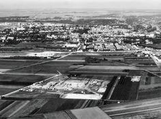 Les fondations de la nouvelle préfecture du Val d'Oise (Henry Bernard, architecte), circa 1968. © DR