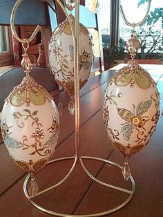 Egg Crafts, Easter Crafts, Types Of Eggs, Easter 2021, Egg Art, Egg Decorating, Egg Shells, Easter Eggs, Christmas Bulbs