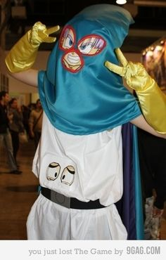 Bahahahahaha! Great and unusual Dragonball Z cosplay