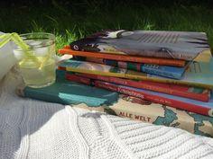 """#KultTrip Nr. 48: """"Geschichten vom Reisen – mein KulturTrip mit Kinderbüchern2 via @helenknauf. Wo befindet sich wohl das Land der Täume? Und was sollte man dort lesen? Kinderbücher zum Reisen! 7.8.16 Picnic Blanket, Outdoor Blanket, Culture, Reading, Summer, Picnic Quilt"""