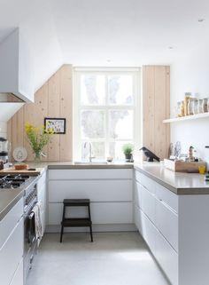 Wit en naturel in de keuken | White and natural in the kitchen | PhotographerMargriet Hoekstra|Styling Barbara Natzijl | vtwonen October 2013