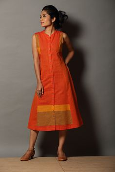 Thee` Button-down Dress Dress Neck Designs, Kurti Neck Designs, Kurta Designs Women, Kurti Designs Party Wear, Blouse Designs, Casual Frocks, Casual Dresses, Fashion Dresses, Frock Design