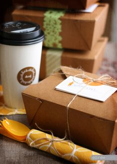 Thanksgiving Leftover Decor | Love the idea of to-go boxes to send leftovers home with family!