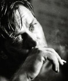 "Martin Sheen on set of ""Apcalypse Now"" Dir. F. Ford Coppola 1979 - © Mary Ellen Mark"