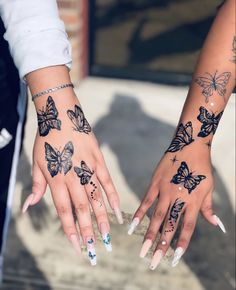 Black and White Butterfly Hand Tattoos Pretty Hand Tattoos, Hand Tattoos For Girls, Dope Tattoos For Women, Small Hand Tattoos, Subtle Tattoos, Dainty Tattoos, Simplistic Tattoos, All Black Tattoos, Mini Tattoos