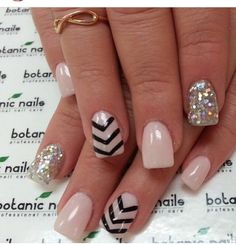 Nude chevron with black