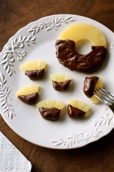 'Spongebobs' A.K.A. Chocolate-Covered Pineapple
