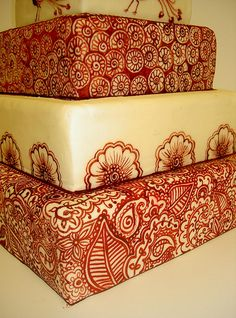 Mehndi-Inspired Cakes and Cookies-Not that I could ever actually do this, but is so pretty!