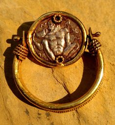 This is an ancient Roman coin of Emperor with muscular Hercules god holding holy GOLD CUP! Handmade flip ring. The coin is dated to circa, 300 - 400 AD Found near Jerusalem. Materal : original Ancient sterling silver coin, Solid gold geuine 22 KARAT Gold. | eBay!