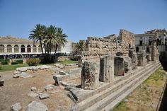 The Temple of Apollo in Syracuse, Sicily. www.italianways.com/the-temple-of-apollo-in-syracuse-in-the-notarys-house/