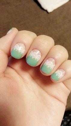 mint lace nail