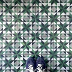 "Green ""tiling"" with #AroBarcelona! Thanks for combining our #urbansneakers with beautiful #tiles, @TileAddiction :)"
