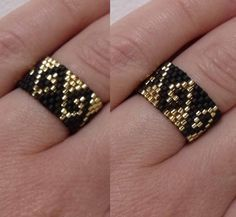 seed bead illusion ring in black and gold greek waves pattern - Life ideas Seed Bead Patterns, Jewelry Patterns, Bracelet Patterns, Beading Patterns, Peyote Stitch Patterns, Loom Beading, Bead Jewellery, Seed Bead Jewelry, Beaded Jewelry