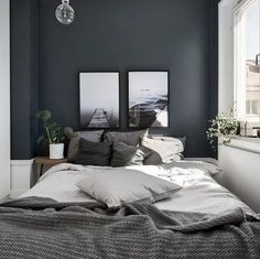 Small Master Bedroom Design with Elegant Style - MagzHome - Home bedroom - Bedding Master Bedroom Gray Bedroom Walls, Small Grey Bedroom, Grey Room, Master Bedroom Design, Home Decor Bedroom, Modern Bedroom, Small Bedrooms, Master Bedrooms, Gray Walls