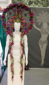 Di Marvell, Petals Florist, Margate, Kent RHS Chelsea Florist of the Year -Gold Medal Mardi Gras Costumes, Chelsea Flower Show, Fancy Hairstyles, Floral Hair, Floral Fashion, Headdress, Costume Design, Wearable Art, Flower Designs