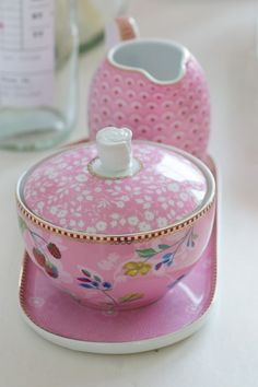 Picture of Floral Jug Small Bloomingtails Pink